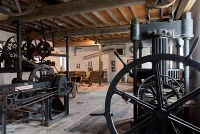 Herisemmolen in Alsemberg - Economuseum voor papier, karton en aandrijftechnieken