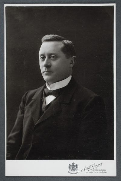 Alfred Bagger (1868-1943), dansk skådespelare.
