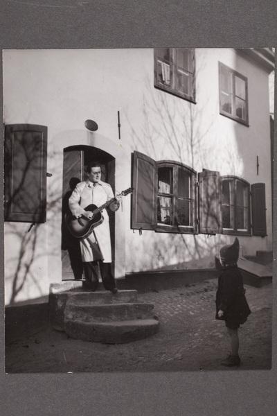 Ulf Peder Olrog (1919-1972), svensk folklivsforskare,  ...