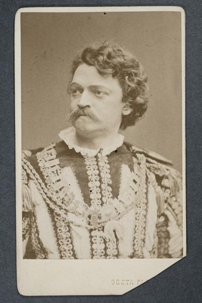 Axel Elmlund (1838-1901), svensk skådespelare och amatörkonstnär.