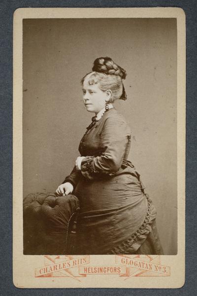 Axelina Apelbom (1839-1890), danslärare.