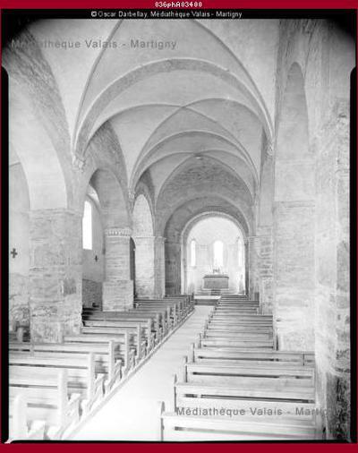 Intérieur de l'église de Saint-Pierre-de-Clages