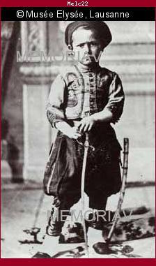 Enfant en costume oriental