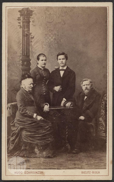Portrait of two women and two men.
