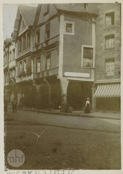 Dinan (?), the street.