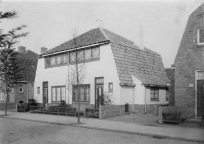 Bosdrift, 1e gemeentelijk woningbouwcomplex, huisnummer 87 en 89, tussen 1919 en 1921 hernummerd  van oorspronkelijk 141 en 143,  schilderwerk