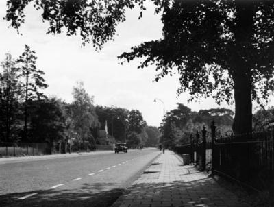 Soestdijkerstraatweg. gezien vanaf het instituut Resa in de richting Baarn