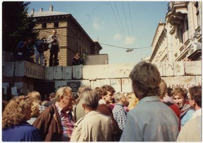 OMNIA - Rīga  Barikādes augusta puča laikā 1991  gadā