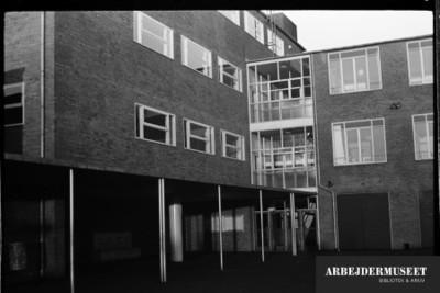 Vilhelm Lauritzens byggeri, Gladsaxe Skole, 1936/1937, skolegården