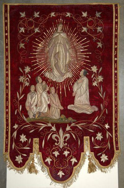 Anoniem, vlag 'Congregatie van O.L. Vrouw - Patroon H. Aloysius', tweede helft 19de eeuw, rood fluweel.