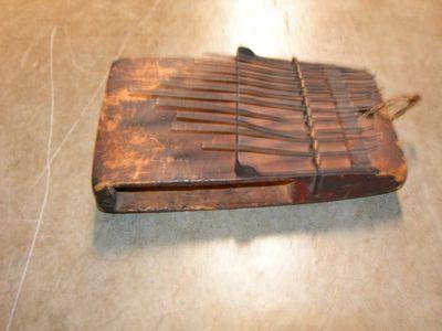 Anoniem, Sanza muziekinstrument uit Kasaigebied, s.d.