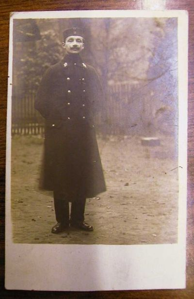 Anoniem, prentkaart met foto van Louis Vanloffeld (1887-1972), muzikant van het Elfde Linieregiment, 1916, papier.