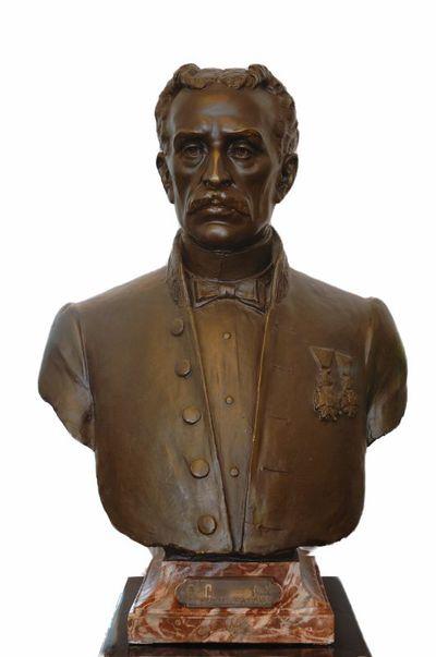 Emile Cantillon (1859-1917), Borstbeeld van Ernest Goetsbloets (1835-1905), burgemeester van de stad Hasselt van 1884 tot 1895, ca. 1905, gips, gegoten.