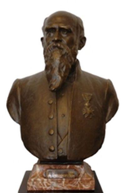 Emile Cantillon (1859-1917), Borstbeeld van Guillaume Stellingwerff (1841-1923), burgemeester van de stad Hasselt van 1880 tot 1884, ca. 1905, gips, gegoten.