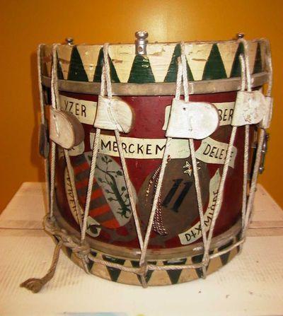 Fs. de Prins & Brevete, Trommel van het Elfde Linieregiment, ca. 1937, hout, koper, kalfsleer, koord.
