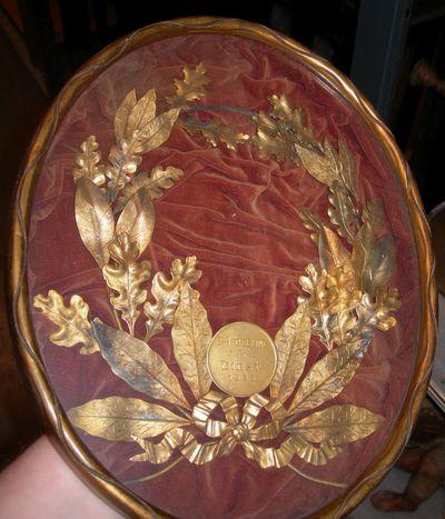 Anoniem, ovalen lijst 1e Prijs Diest, 1925, goud, rood fluweel.