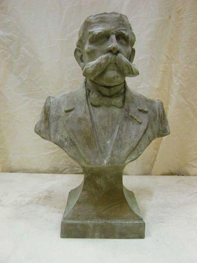 Luc Verlee (°1934) borstbeeld Alexis Pierloz (1853-1919), 1985, polyester.