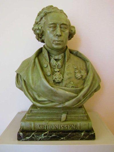 Jules Courroit (1831-1906), borstbeeld van Jean Joseph Thonissen (1816-1891), 1874, gips.