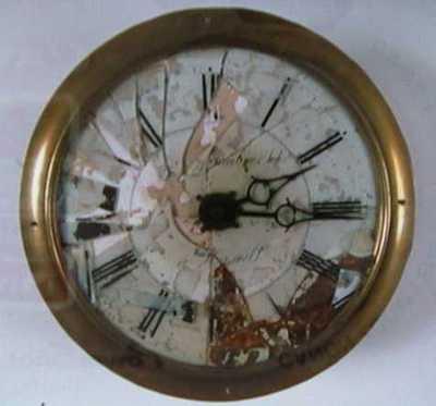 Josephus Gerardus Eduardus Lambrechts (1806-1852), staande klok, 19de eeuw, eik, geëmailleerde wijzerplaat.