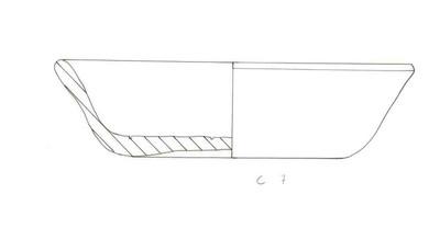 Volledig bord met licht naar naar buiten gebogen wand in Ruwwandig Aardewerk Oxiderend (RWO)