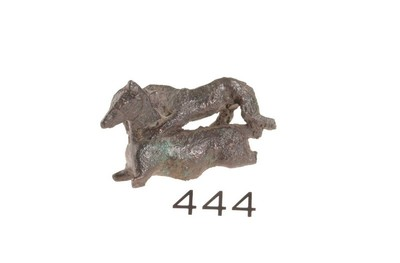 Volledige figurine van een leeuw die een paard aanvalt in brons