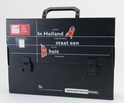 Spel. 'In Holland Staat een Huis'. Leskoffer kindermishandeling voor het basisonderwijs.