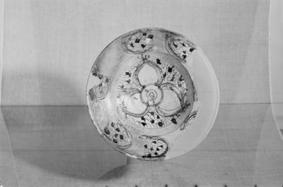 Ceramic pottery, restored, sgraffito technique