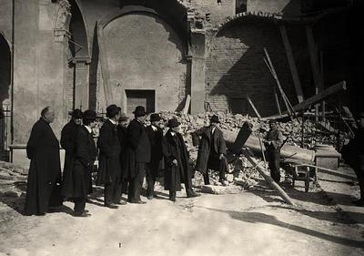 Ravenna, Basilica di Sant'Apollinare Nuovo, Corrado Ricci visita la basilica dopo il bombardamento del 12 febbraio 1916