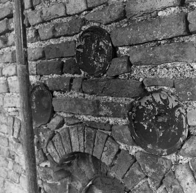 Campiano (Ravenna), Pieve di San Cassiano in Decimo, bacini in ceramica