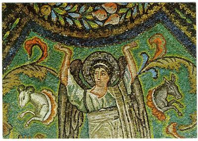 Ravenna, Basilica di San Vitale, Angelo che sorregge il clipeo