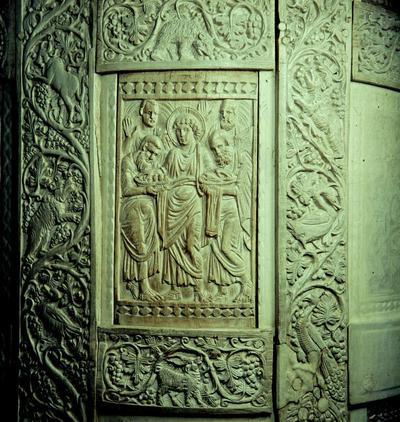 Ravenna, Museo Arcivescovile, Cattedra di Massimiano, Moltiplicazione dei pani e dei pesci