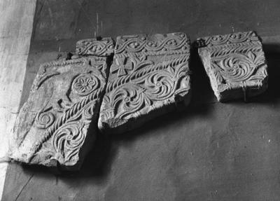 Mercato Saraceno, Pieve di Monte Sorbo, frammenti di ciborio