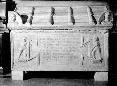 Ravenna, Basilica di San Francesco, Sarcofago della Famiglia Del Sale