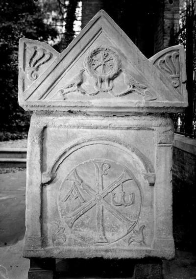 Ravenna, Quadrarco di Braccioforte, Sarcofago Traversari, fianco destro