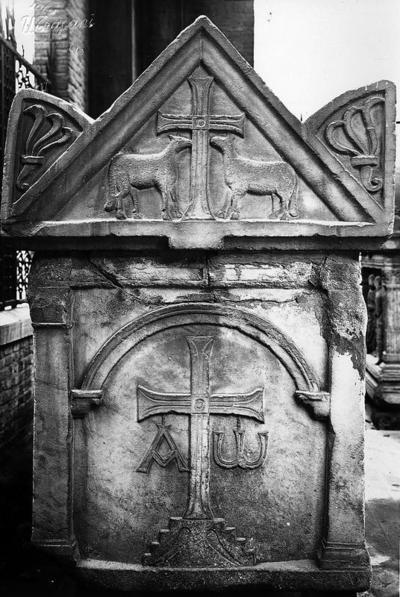 Ravenna, Quadrarco di Braccioforte, Sarcofago Traversari, fianco sinistro