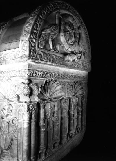 Ravenna, Duomo, Sarcofago di San Barbaziano, fianco destro