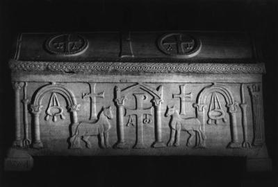 Ravenna, Basilica di Sant'Apollinare in Classe, Sarcofago dell'arcivescovo Felice