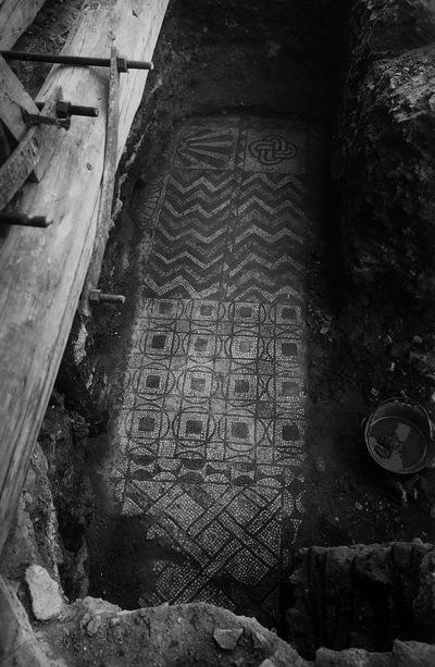 Ravenna, Basilica di San Giovanni Evangelista, Scavi all'interno della chiesa (1945-1948)