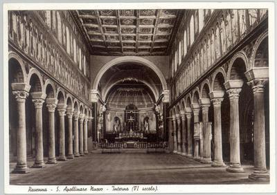 Ravenna, Basilica di Sant'Apollinare Nuovo, Interno