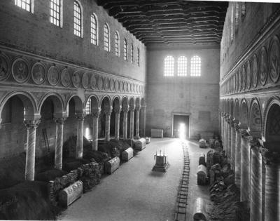 Ravenna, Basilica di Sant'Apollinare in Classe, Interno (durante i restauri del 1953)