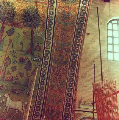 Ravenna, Basilica di Sant'Apollinare in Classe, Intradosso dell'arco trionfale