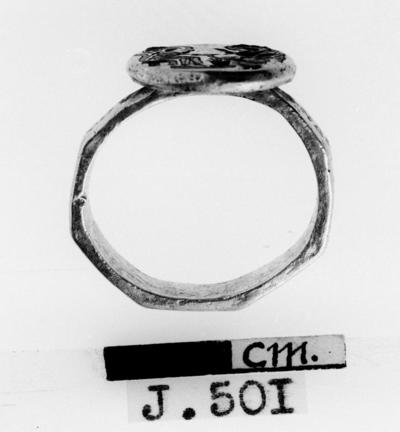 Department of Antiquities Republic of Cyprus: Gold marriage-ring (J. 501)