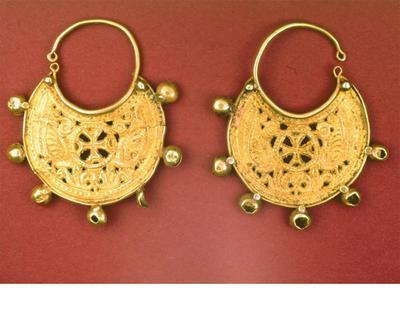 Μουσείο Ιεράς Μονής Κύκκου (Κύπρος): Ζευγάρι χρυσά σκουλαρίκια
