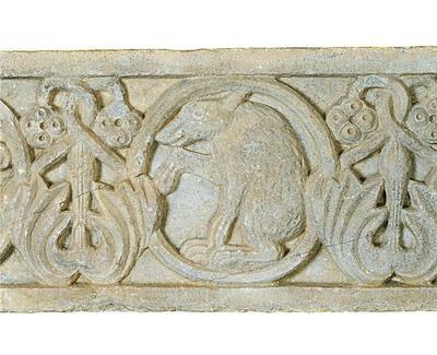 Μουσείο Ιεράς Μονής Κύκκου (Κύπρος): Μαρμάρινο παλαιοχριστιανικό ανάγλυφο (πιθανόν επιστυλίου), κοσμημένο με ελισσόμενο φυτικό διάκοσμο και κύκλους. Λεπτομέρεια  (Δ 315)