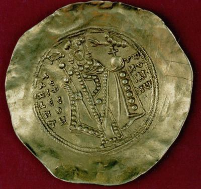 Μουσείο Ιεράς Μονής Κύκκου (Κύπρος): Χρυσό υπέρπυρο Αλεξίου Α' Κομνηνού (1092-1118). Όπισθεν.