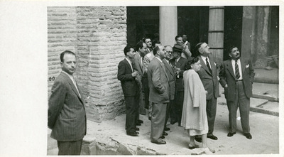 Guided tour in the basilica of Saint Demetrius during the restoration work of the early 1950s