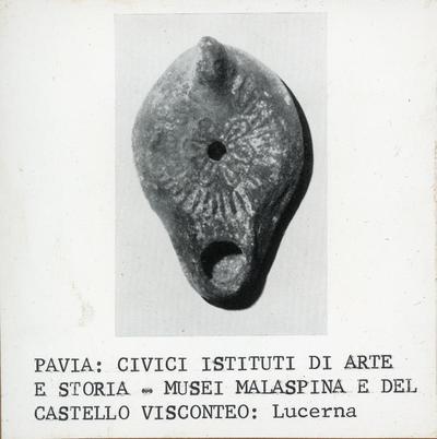 Pavia: Civici Istituti di Arte e di Storia- Musei Malaspina e del Castello Visconteo: lucerna