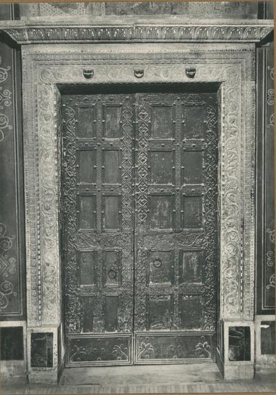 Badia Greca di Grottaferrata. La Basilica - Porta Principale (secolo XI)