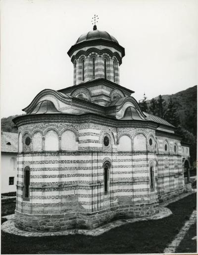 Monastero di Cozia (Romania), veduta della chiesa da nord-est