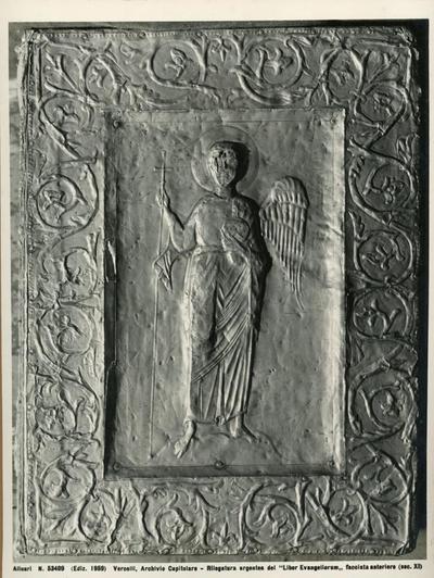 Vercelli, Archvio Capitolare- Rilegatura argentea del Liber Evangeliorum, facciata anteriore (sec. XI)